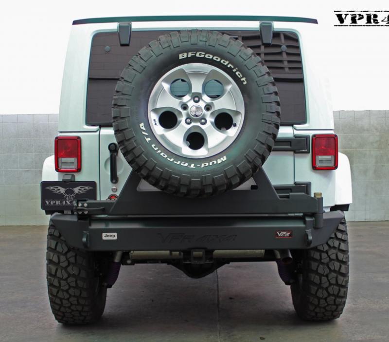 Jeep rear tire carrier bumper
