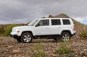 "Daystar - Daystar KJ09169BK 1.5"" Lift Jeep Patriot - Image 2"