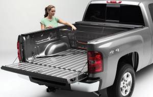 Roll-N-Lock - Roll-N-Lock CM447 Cargo Manager Rolling Truck Bed Divider - Image 2